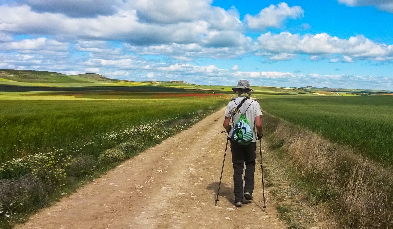 camino-without-backpack1